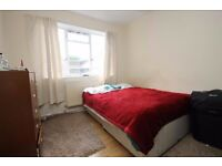 Fantastic three double bedroom property located a short walk from Oval Underground!!!