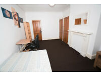 Double Master Bedroom in clean bright flatshare