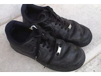 Nike air black trainers size 7