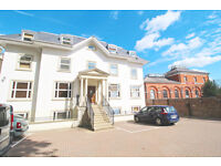 2 bedroom flat in High Street, Hornsey, N8