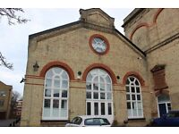 Lovely, spacious Three bedroom flat located only 2 minutes away from Canada Water Station.