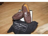 BRAND NEW SIZE 9 LEATHER LOAFER