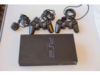 Sony Playstation 2 + 2 controllers