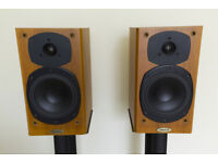 🎵 Tannoy Revolution R1 Standmount Speakers With Speaker Stands 🎵