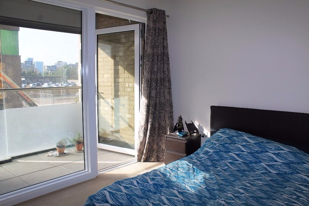@NORTH GREENWICH-CHEAP-SE10-CLOSE TO O2-JUBILEE LINE-FURNISHED 1 BED!