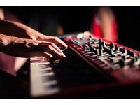 Singer-Songwriter seeks Keyboard Player