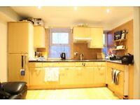 Studio flat in Scrubs Lane, Shepherd's Bush, W10