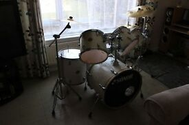 SONAR PEARL DRUM KIT FOR SALE. GREAT FOR BEGINNERS/INTERMEDIATE/ADVANCE - open to offers