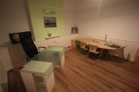 Spacious Room- Office- Ideal Excellent Location- Four Banks Corner Chorlton-Barlow Moor Road M21