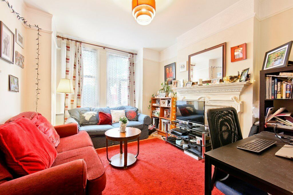 Spacious One Bedroom Ground Floor Edwardian Conversion With Landscaped Private Garden - SW17