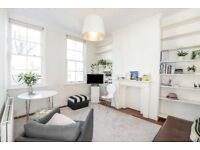 *THREE BEDROOMS* A charming three bedroom flat located on Anselm Road moments from Fulham Broadway