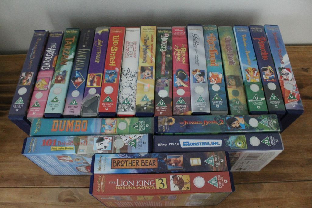 collection of disney vhs video tapes