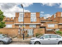 4 bedroom flat in Priory House SE15 3LZ