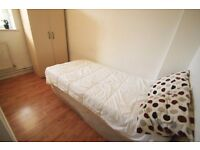 COSY SINGLE ROOM TO OFFER CLOSE TO THE TUBE STATION CAMDEN TOWN. 8R