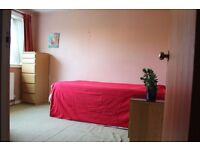 Spacious Double Room Available in Clean House Near Osterley Tube Station