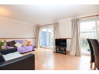 A spacious 3 double bedroom house to rent in Clapham Park close to Brixton and Abbeville Village