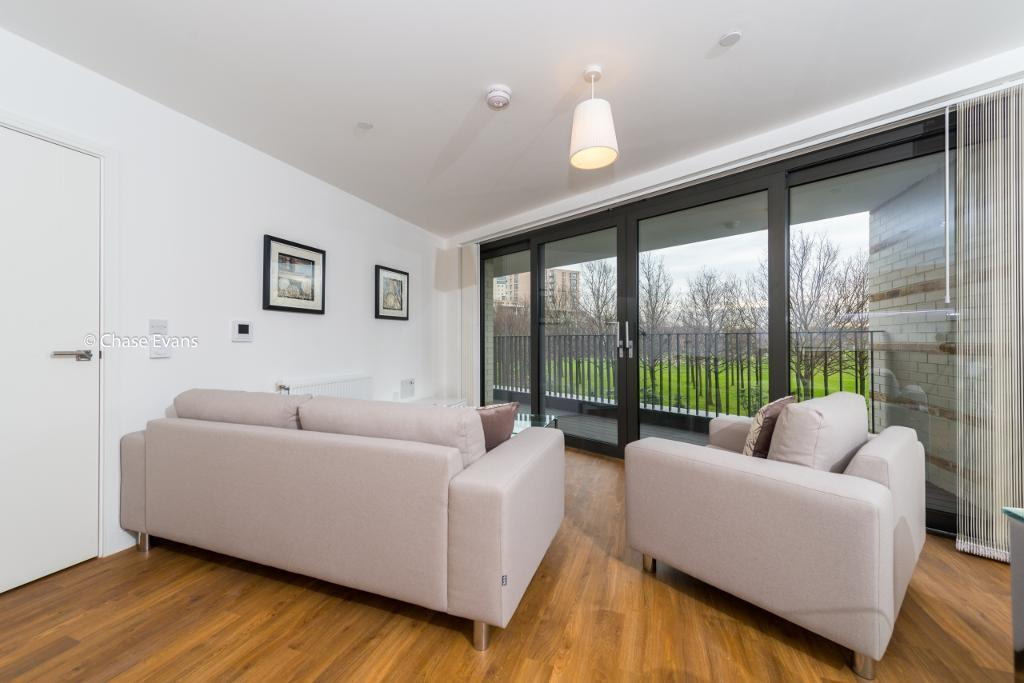 2 bedroom flat in Waterside Park, Kingfisher Heights, Royal Docks E16