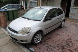 Great condition 2006 Ford Fiesta Zetec - Silver.