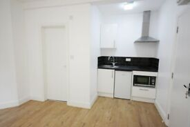 A modern studio flat located close to zone 2 station and shops, available now!