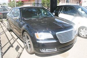 2012 Chrysler 300 Limited S/ROOF, LEATHER