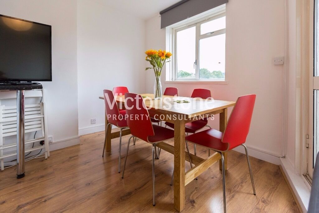 GREAT VALUE FOR MONEY 5 BEDROOM SPLIT LEVEL APARTMENT WITH BALCONY WHITECHAPEL STEPNEY GREEN