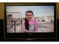 "37"" TOSHIBA 37WLT66 HD LCD TV WITH BUILT IN FREE VIEW IN GREAT CONDITION."