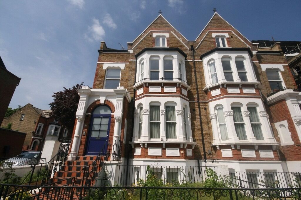 Streatham Common 2 bedroom flat large brand new