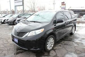 2012 Toyota Sienna LE POWER DOORS
