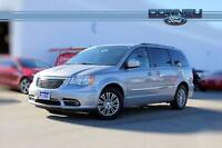 2014 Chrysler Town & Country Touring Leather interior - Reverse