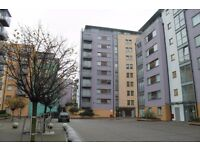 - Great studio with all faciliteis, clause to station for only £280pw in Depford!