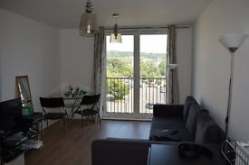 Modern Furnished One Bedroom flat located in the prestigious Riverside complex in the centre of Bath