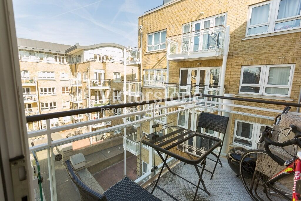 Great opportunity to rent this fabulous one double bedroom flat close to Canary Wharf E14 (gym inc.)