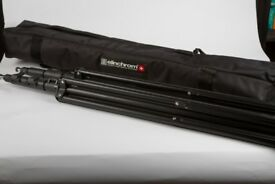 Pair of Elinchrom light stands (extend to 2.2m)