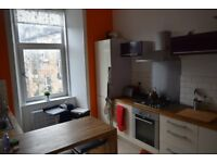 Double room in modern 2 bed flat, near Paisley Road West, Glasgow £450pm inc bills