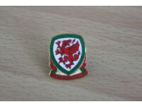 REDUCED TO ONLY £1 FAW OFFICIAL ENAMEL MEMBERS LAPEL BADGE