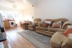 Two double bedroom garden flat available in Crouch End - Offered Furnished!