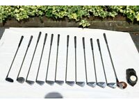 Delightful set of Vintage Golf Clubs in very good condition.