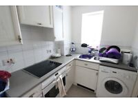 EN4 AVAILABLE JULY. Bright, Airy, Spacious STUDIO, Ideal for NEW BARNET Train, Supermarket, Gym +