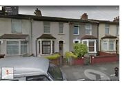 A LARGE SIZE 5 BEDROOM HOUSE AVAILABLE NOW IN BARKING, ESSEX ROAD, IG11