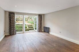 Beautiful 3 bed Period House in Kentish Town. Lovely residential street, 5 min from Tube Station