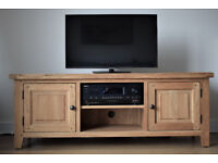 Solid Oak TV Cabinet, 150cm, Very Good Condition