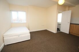 Studio - Bedsit Still available - DSS considered with Deposits