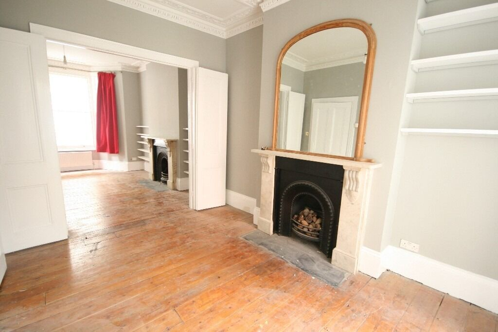 Gorgeous 2 bed flat with private garden