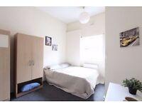 EN-SUITE ! huge bedroom in amazing house with LIVING ROOM & Garden !