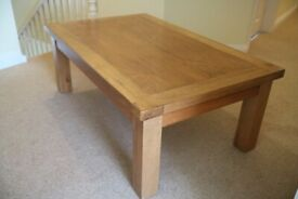 BEAUTIFUL SOLID WOOD IMMACULATE NEW FOREST OAK COFFEE TABLE