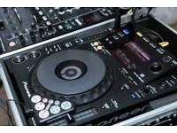 Complete mobile Dj setup: 2x CDJ 900, DJM 900 NEXUS Mixer, 2 RCF Art 725 Active Speakers