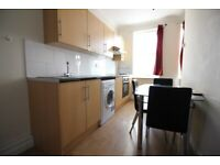 MODERN DUPLEX ONE BED FLAT WITH COMMUNAL ROOF TERRACE- HOUNSLOW WHITTON TW3