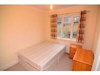 NICE DOUBLE ROOM IN BIG HOUSE 5 MIN TO STATION - ALL BILLS INCLUDED - FIBRE OPTIC - CLEANING INCLUD