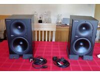 Mackie HR824 Mk 1 Studio Monitor Speakers (Pair) + Auralex Isolation Pads (x4)