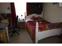 Two rooms to rent in Montpellier flat near to city centre.
